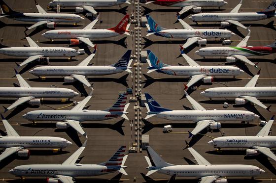 운항중단된 보잉737맥스 기종 여객기들. [EPA=연합뉴스]