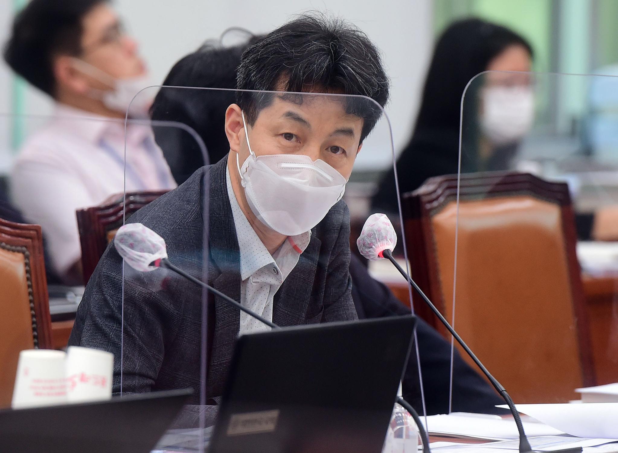 윤건영 더불어민주당 의원. 오종택 기자