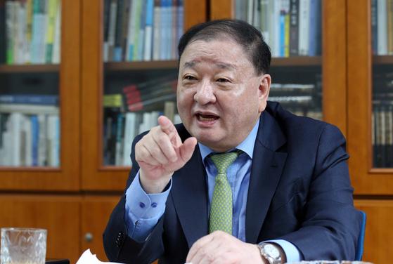 文, 바이든 취임전 강제징용 승부수…일본통 강창일 택했다