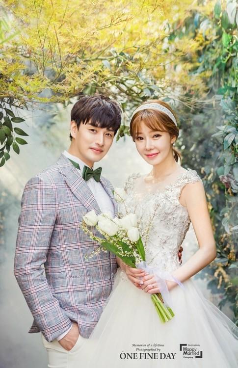 2017년 결혼 당시 일라이와 지연수. [해피메리드컴퍼니, 원파인데이 제공]