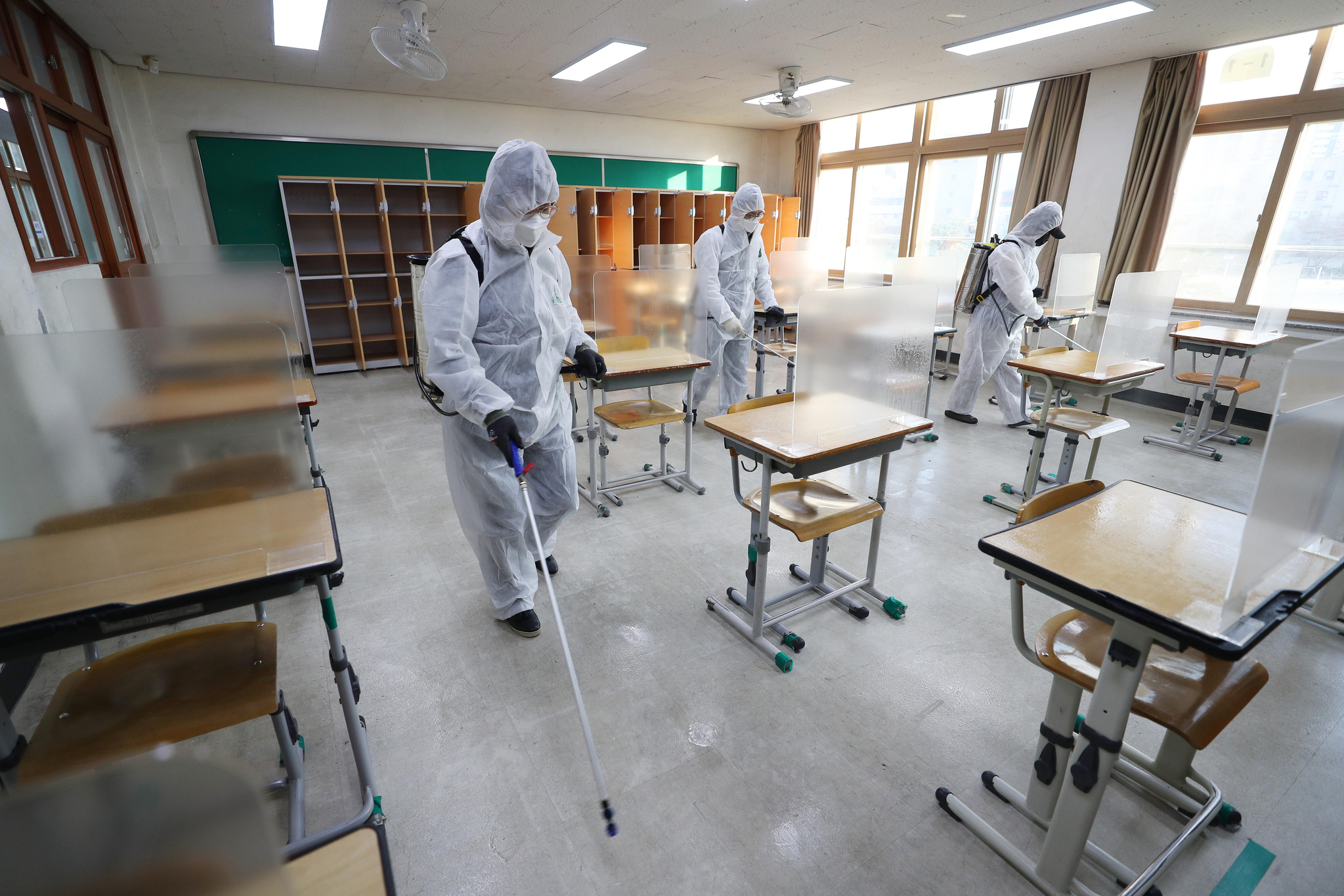 하루만에 학생 38명 무더기 확진··수능 일주일 전 학교 비상