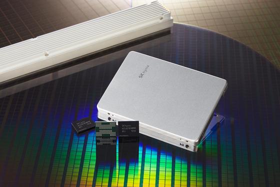 SK하이닉스가 개발한 128단 낸드플래시 메모리