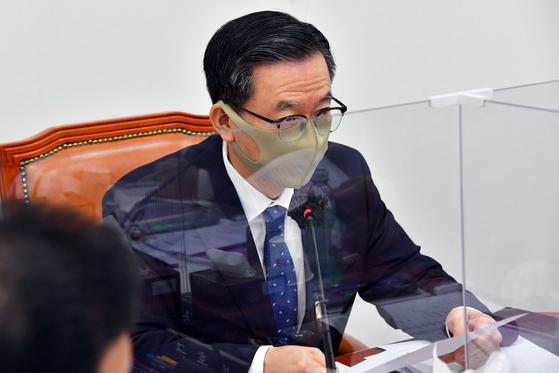 """정성호 """"3차 재난지원금 선별 지급…저소득층 반응 걱정"""""""