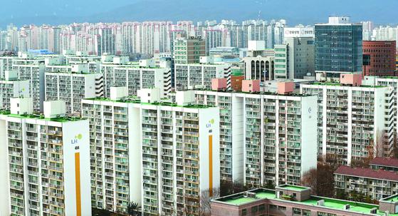올해 2030의 패닉바잉이 이곳에 몰렸다. 서울 노원구 일대의 아파트 단지 모습. 올해 2030의 패닉바잉이 이곳에 몰렸다. [연합뉴스]