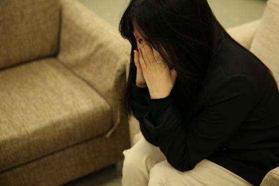 우리나라 국민 100명 가운데 5명은 우울증을 앓는다 연구 결과가 나왔다. 우울증을 앓을 경우 그렇지 않은 사람보다 극단적 선택을 할 가능성의 4배 높았다. [서울아산병원 제공]