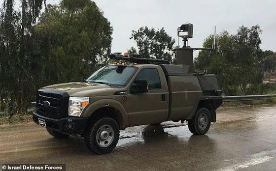 이스라엘 무인무기. 기관총 탑재 무인 트럭. 포드 F-350을 기초로 업그레이드했다. 연합뉴스