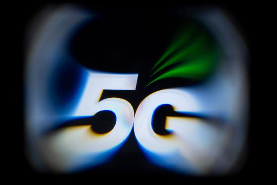 무늬만 5G 논란에도 가입자 1000만…소비자 기대 부응해야