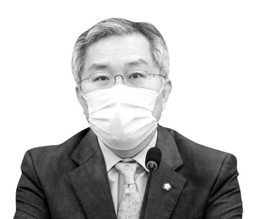 최강욱 열린민주당 대표가 국회에서 열린 최고위원회의에서 발언하고 있다. 임현동 기자