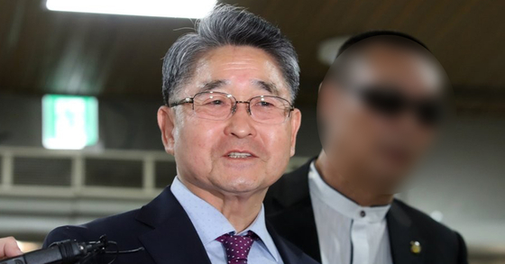 지난해 서울중앙지법 '5·18 북한군 소행 주장' 관련 재판에 출석하는 지만원씨. 연합뉴스
