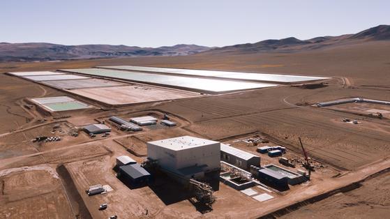포스코가 아르헨티나 리튬 염호에서 리튬 매장량을 측정하기 위한 탐사를 하고 있다. [사진 포스코]