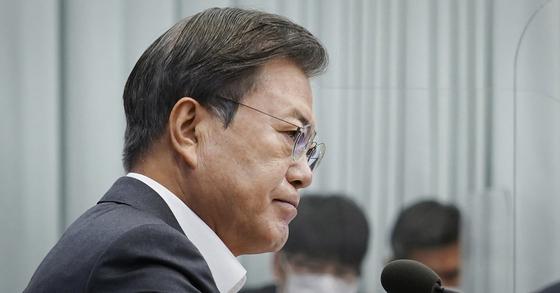 文대통령 국정지지율 39%…또 40%대 무너졌다 [갤럽]