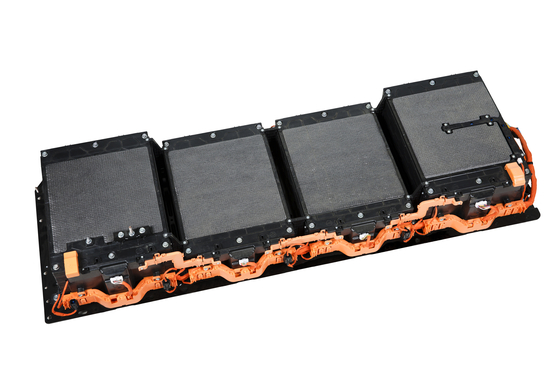 전기차에 들어가는 배터리 팩. 배터리는 전기차 제조원가의 40% 이상을 차지할 만큼 고가의 부품이다. [사진 SK이노베이션]