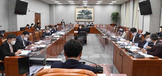일하는국회법 국회 운영위 통과…상시국회·출석현황 공개된다