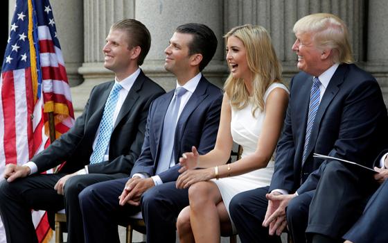 차남 에릭 트럼프, 장남 도널드 트럼프 주니어, 장녀 이방카 트럼프(왼쪽부터)와 도널드 트럼프 미국 대통령. [연합뉴스]