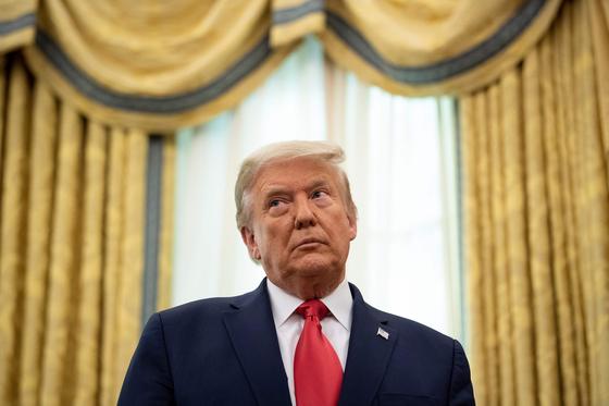 재검표 32억, 법률자문 25억…트럼프 곳간이 텅텅 비어간다