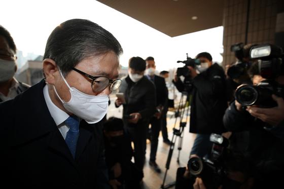 """""""부동산 신뢰 되찾겠다""""는 변창흠…더 센 김현미인가, 수정판인가"""