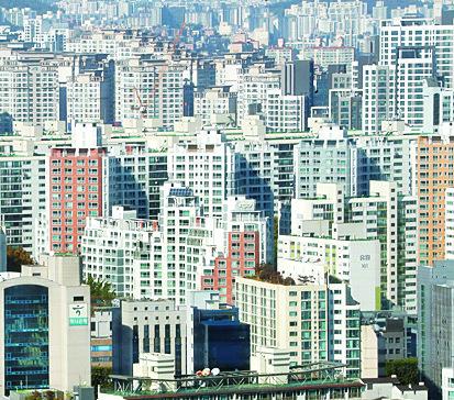 서울 서초구 아파트와 건물들의 모습. 연합뉴스
