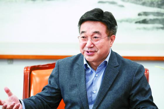 더불어민주당 소속 윤호중 국회 법제사법위원장. 중앙포토