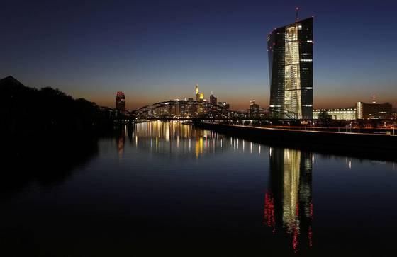 유럽중앙은행 본부 전경 자료사진. 로이터=연합뉴스