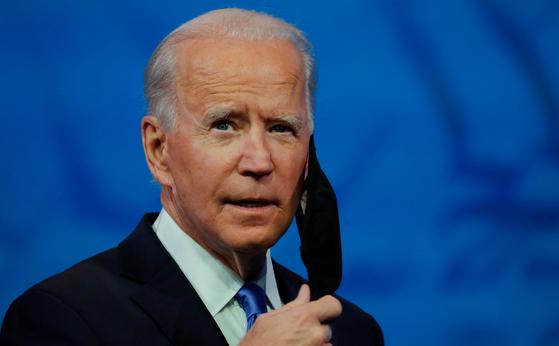 조 바이든 미국 대통령 당선인은 14일 열린 대통령 선출을 위한 선거인단 투표에서 306표를 받아 대통령 당선을 공식 확정했다. [로이터=연합뉴스]