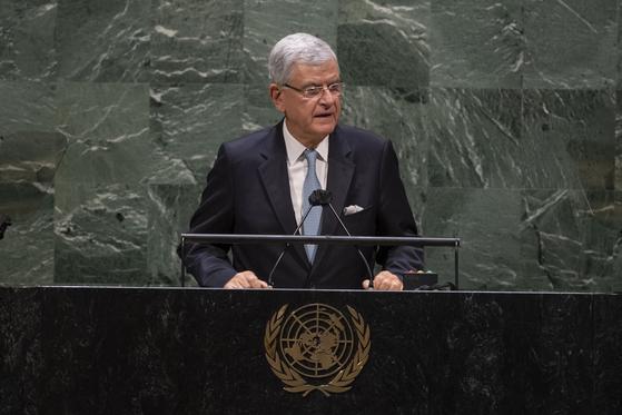 볼칸 보즈키르 유엔 총회 의장은 16일(현지시간) 본회의를 열고 북한 인권결의안을 만장일치로 채택했다.사진은 지난 10월 26일 회의 모습. [신화=연합뉴스]
