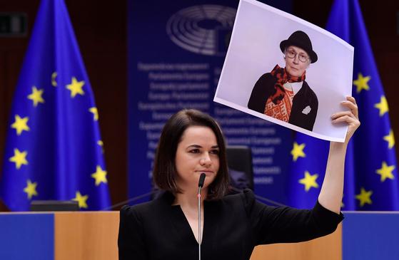 16 세에 Tehanovskaya는 시위대에 대한 감정을 표현하면서 시위대의 사진을 업로드했습니다.  프랑스 언론사 = 연합 뉴스
