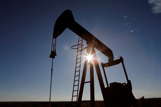 미국 텍사스주의 원유 펌프. 로이터=연합뉴스