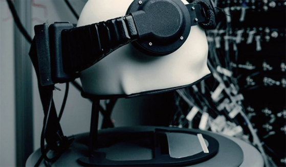 페이스북은 뇌파를 분석해 컴퓨터를 작동시키는 웨어러블 장비를 개발하고 있다. / 사진:페이스북 리얼리티랩스 홈페이지 캡쳐