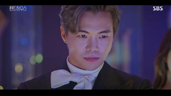 드라마 '펜트하우스'에서 로건 리 역을 맡은 박은석. 양동생을 위한 복수를 계획한다. [사진 SBS]