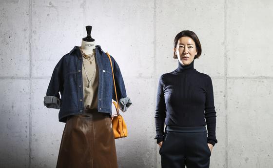 두 개의 가방 브랜드를 성공시킨 석정혜 대표가 이번엔 옷에 도전장을 냈다. 김경록 기자