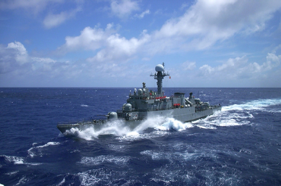 원주함은 고속정과 함께 NLL에 가장 근접 배치된다. 또한 동해를 책임진 1함대 소속으로 독도 등 도서 지역 방어 임무도 맡는다. [해군 제공]