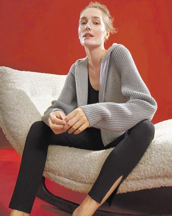 '띠어리'는 집 안팎에서 입기 좋은 라운지웨어로 구성된 '럭스 라운지' 캡슐 컬렉션을 론칭했다. [사진 삼성물산 패션부문]