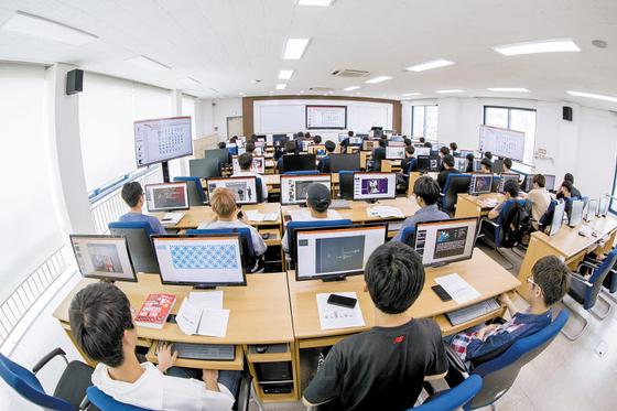 ICT폴리텍대학은 과학기술정보통신부가 지원하는 ICT 특성화 대학이다. 정부 지원을 받아 등록금이 학기당 114만원에 불과하다. [사진 ICT폴리텍대학]
