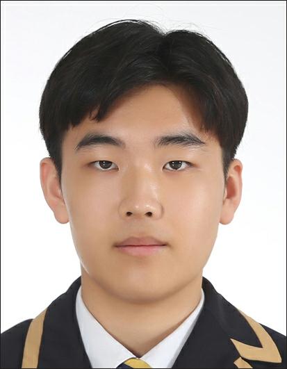 2021학년도 대학수학능력시험(수능) 만점을 받은 용인외대부고 김지훈 군. 본인 제공.