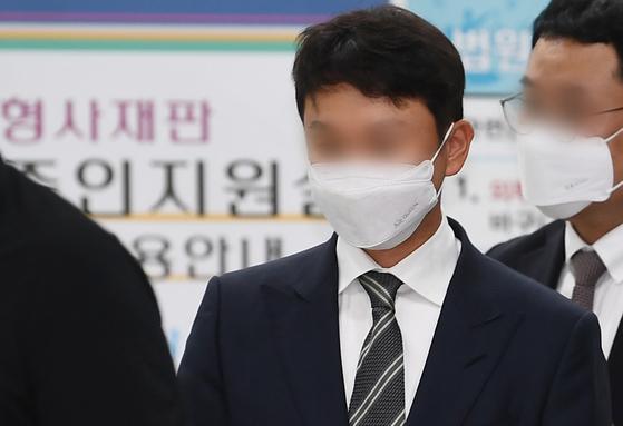 클럽 '버닝썬' 관련 성매매 알선 등에 연루된 혐의로 기소된 유인석 전 유리홀딩스 대표. 뉴스1