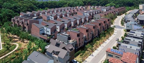 2019년에 입주한 경기도 김포의 블록형 단독주택 '운양역 라피아노 1차' / 사진:경제만랩