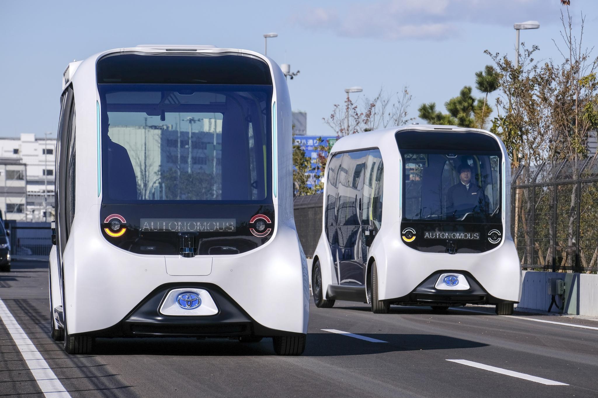 도요타가 모빌리티 도시인 '우븐 시티'에서 운행하는 자율주행차량 e-팔레트. 박스형으로 여객이나 화물 운송에 다양하게 활용 가능하다. 사진 도요타