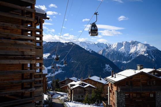 영국인들이 즐겨 찾는 스위스 바르비에의 스키 휴양지.[AFP=연합뉴스]