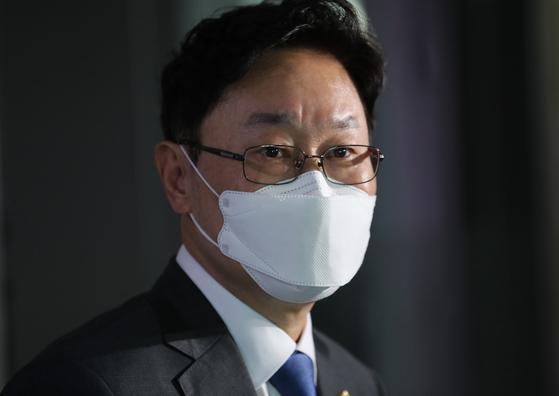 법무부 장관 후보자로 내정된 박범계 더불어민주당 의원이 30일 오후 국회 의원회관에서 소감을 밝히고 있다. 오종택 기자