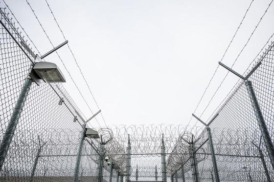 미국에서 코로나 사망자가 최대치를 기록한 가운데 알래스카의 한 교도소에서는 재소자의 90%가 코로나 확진자로 나타났다. [트위터]