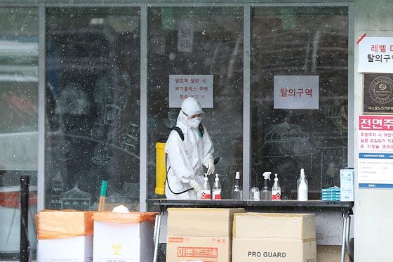 [단독] 요양 병원의 숨겨진 비극 … 미확인 사람들이 더 많이 사망