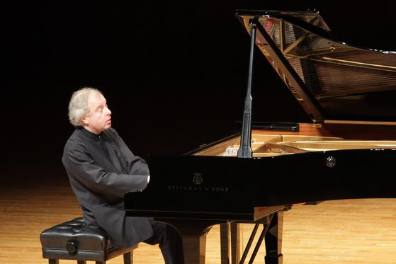 피아니스트 안드라스 쉬프. [중앙포토]