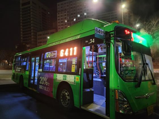 새해 첫 월요일, 새벽 4시 첫차인 6411번 버스. 여성국 기자