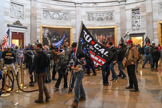 6일 미 의회 의사당이 도널드 트럼프 대통령의 지지자들에 의해 점거돼 있다. [AFP=연합뉴스]