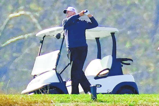 도널드 트럼프 대통령 소문난 골프 애호가다. 국정 수행 중 틈날 때마다 골프를 즐긴 것으로 유명하다. AP=연합뉴스