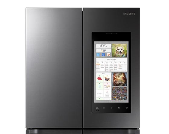 스크린을 통해 레시피를 검색할 수 있는 삼성전자의 패밀리허브 냉장고 2021년형. [사진 각사]