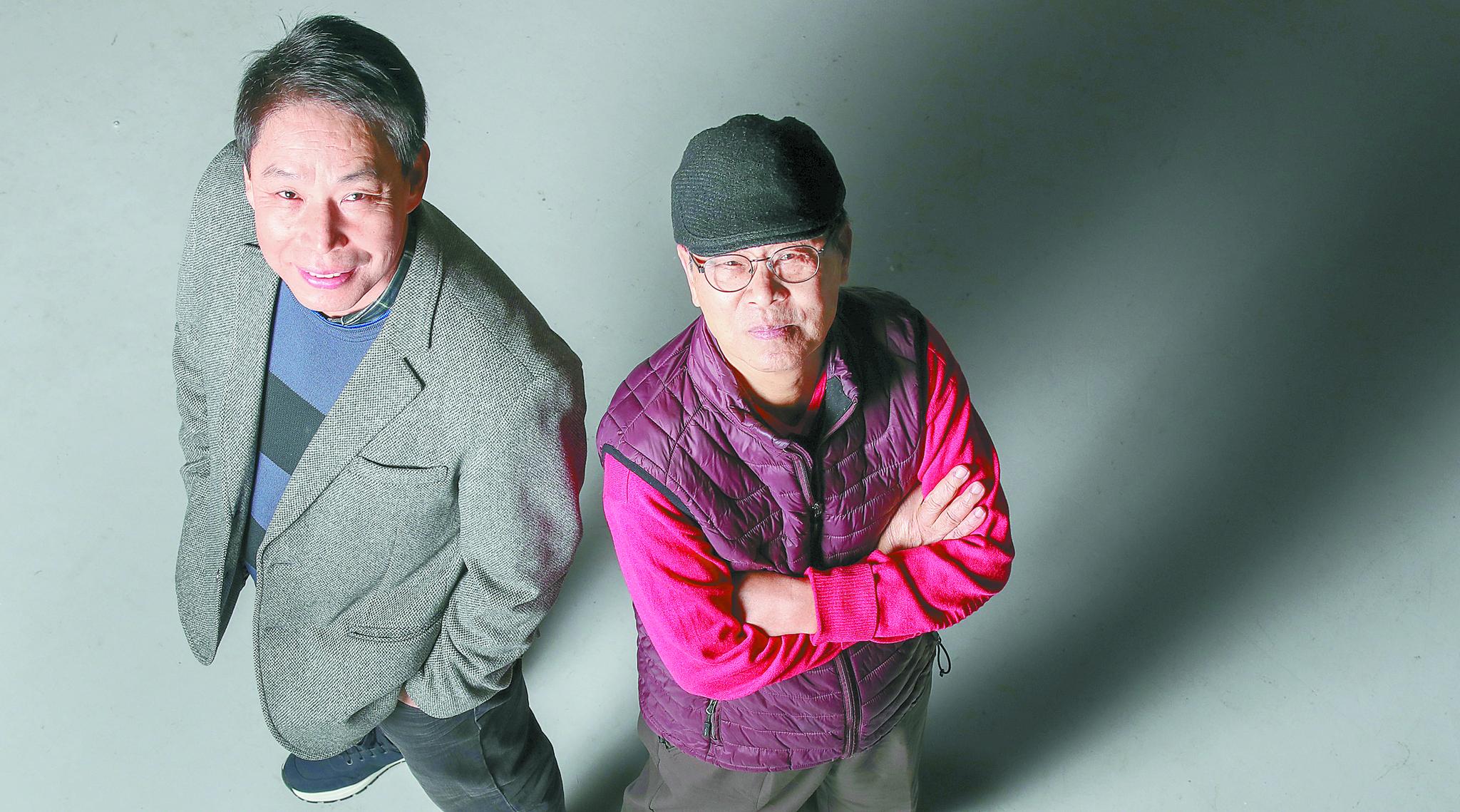 15년 만에 만난 송재익 캐스터(오른쪽)와 신문선 해설위원. 두 사람은 맛깔나고 날카로운 중계로 큰 인기를 누렸다. 우상조 기자