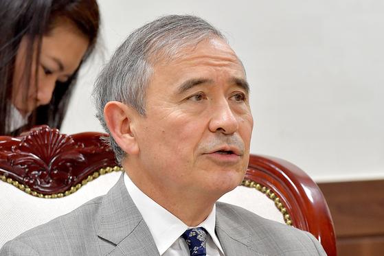 해리 해리스 주한 미국대사가 지난해 8월 18일 서울 종로구 통일부에서 이인영 통일부 장관과 면담하고 있다. 김상선 기자