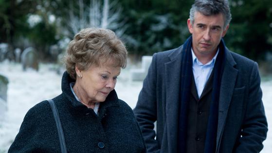 2014년 국내 개봉한 영화 '필로미나의 기적'은 아일랜드의 미혼모 시설에서 아들을 낳고 뜻하지 않은 이별을 해야 했던 여성 필로미나가 50년 만에 아들을 찾아 나서는 내용을 담고 있다. [영화 '필로미나의 기적' 한 장면]