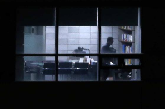 뇌물수수 혐의와 성접대 의혹을 받고 있는 김학의 전 법무부 차관이 조사를 받고 있는 서울 송파구 동부지검. 김상선 기자